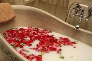 Romantische Ideen Für Sie : romantische ideen zum valentinstag ein hauch romantik im badezimmer ~ Watch28wear.com Haus und Dekorationen