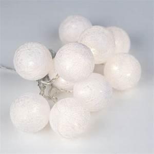 Guirlande Lumineuse Blanche : guirlande de boules blanches en fil lumineuses ~ Melissatoandfro.com Idées de Décoration