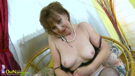 Mature Ugly Slut Is Happy To Play With Her Natural Saggy