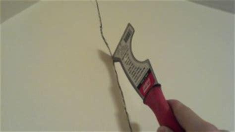 Stucco Elastico Per Crepe Muro Eliminare Crepe Nei Muri Prima Di Imbiancare Guida Come