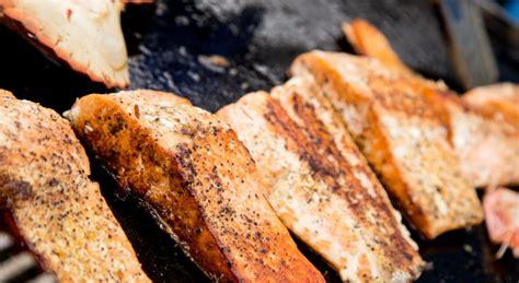 comment cuisiner plancha cuisson du poisson à la plancha maison travaux
