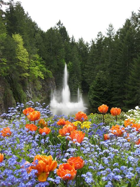 ross fountain butchart gardens vancouver island canada