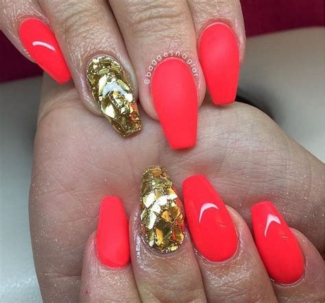 There are many different styles of packing gel you can try, but the most popular one has always been a stylish and versatile updo. Nails glamour fluo | Nail colors, Nails, Nail designs