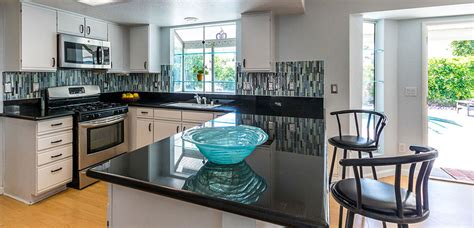 what to put on top of kitchen cabinets pictures affordable palm springs ca home with all amenities 2273