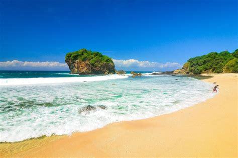 limakaki  destinasi wisata pantai  wonosari