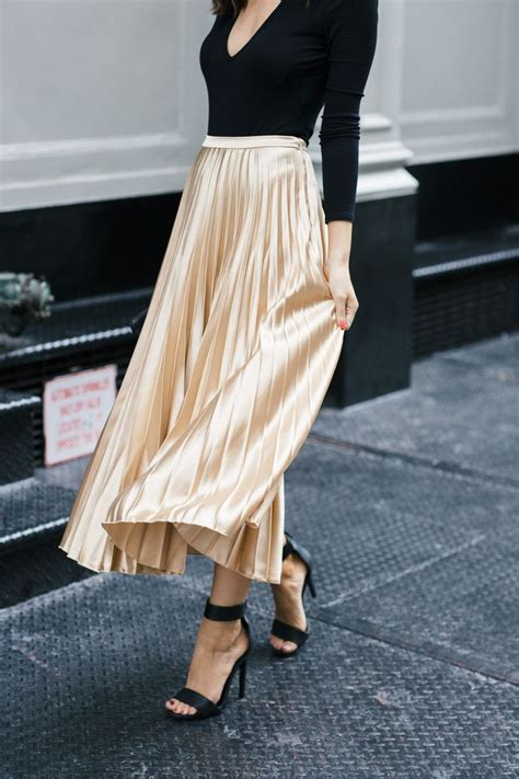 25 Best Ideas About Metallic Pleated Skirt On Pinterest