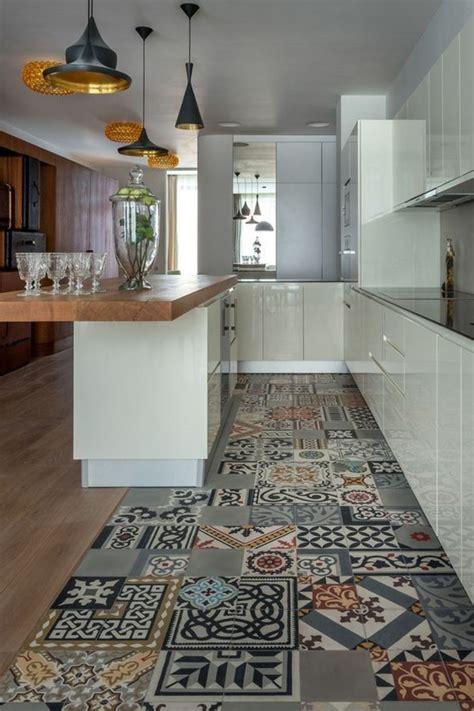 cuisine avec comptoir comment décorer avec le carrelage ancien 62 photos pour