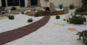 decoration jardin mineral With faire une allee de jardin en gravier 1 avancer avec le pas japonais