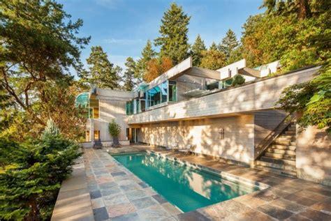 Modern Daniel White Home In Saanich Bc Canada by Modern Daniel White Home In Saanich Bc Canada