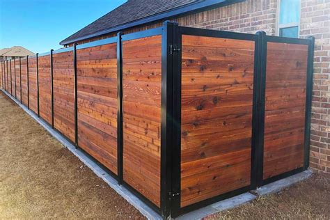Backyard Wood Fence Ideas by 11 Backyard Fence Ideas Beautiful Privacy For