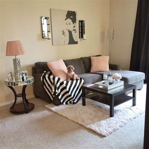 Decorating Ideas For Living Room Apartment by My Apartment Decor 2013 Blondie In The City