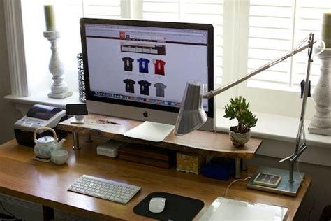 Diy Desk Cpu Holder by Diy Custom Computer Monitor Standhttp Www Wodnut
