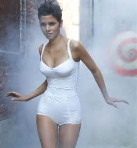 Halle Berry Height