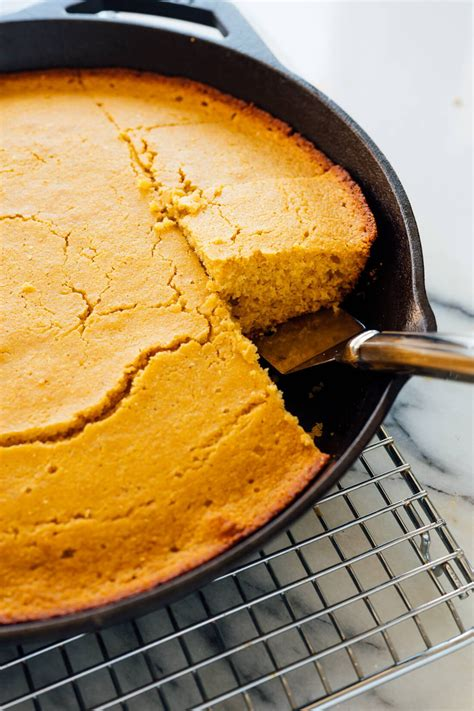 In comparison, this vegan corn bread recipe contains no eggs, dairy, or gluten and yet still have the soft texture and slightly sweet flavor i'm looking for. Cooking Corn Bread With Corn Grits : The Best Vegan ...
