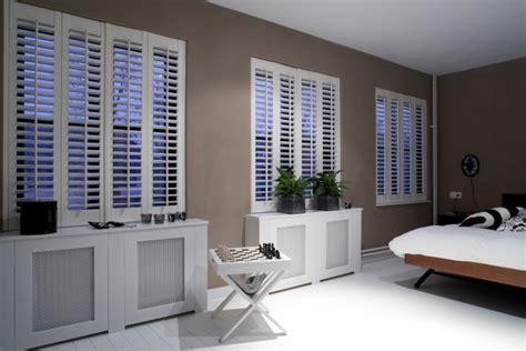 les huissiers peuvent ils entrer dans les chambres habillage de fenêtres pour la chambre à coucher jasno