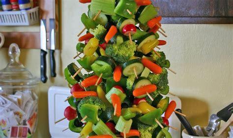 make healthy fun edible christmas tree centerpiece with