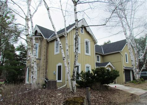 In Town, Orangeville Caledon Country Homes Luxury Real