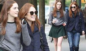Julianne Moore steps out with her lookalike daughter Liv ...