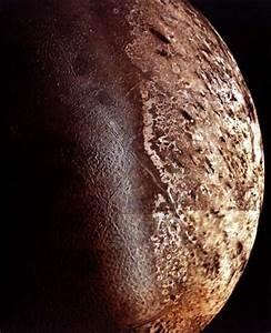 APOD: October 10, 1999 - Triton: Neptune's Largest Moon