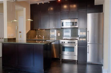 best paint to refinish kitchen cabinets kitchen cabinet painting painting kitchen cabinets and 9184