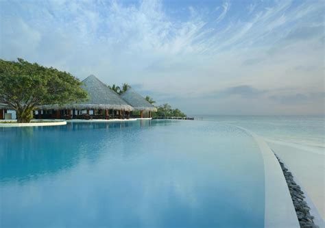 Best Price On Dusit Thani Maldives In Maldives Islands