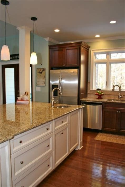 cherry color cabinets kitchens cherry cabinets cherries and wall colors on 5369