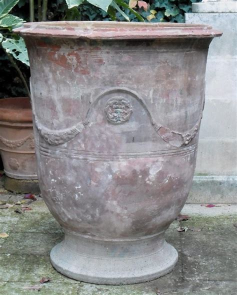 anduze vase fountains garden antiques