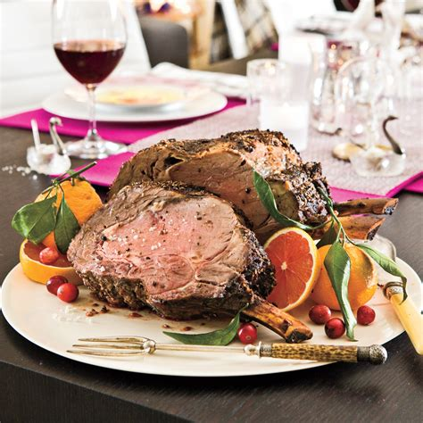 But whether or not you're spending christmas eve eating in a winter wonderland, you can use this magical holiday dinner to fill hearts and bellies with extra cheer. 21 Best Prime Rib Christmas Dinner Menus - Most Popular ...