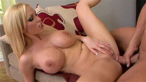 Nikki Benz Seduces Her Old Fuck Buddy Into A Hardcore Fuck