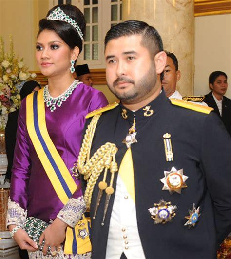 abdul mateen bin abu bakar malaysian royalty the coronation of the sultan of johor