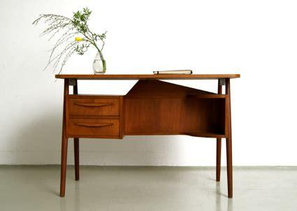 Er Jahre Möbel by Kleiner 60er Jahre Teak Schreibtisch 299 Magasin M 246 Bel