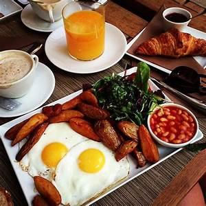 Continental Breakfast | Breakfast in Bed | Pinterest