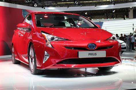 toyota prius  model  trim level information