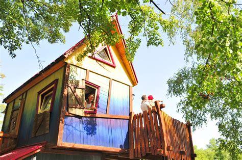 maisons dans les arbres cing holidays in
