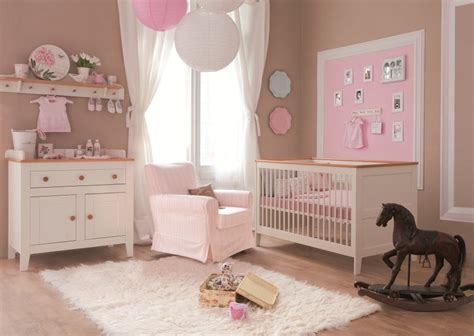 chambre bébé fille moderne lit bébé 140x70 évolutif mobilier chambre à coucher bébé