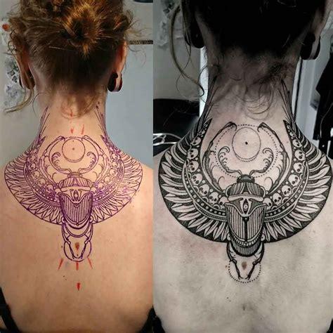 Back Neck Scarab Tattoo  Tatouages, Idée Tatouage Et