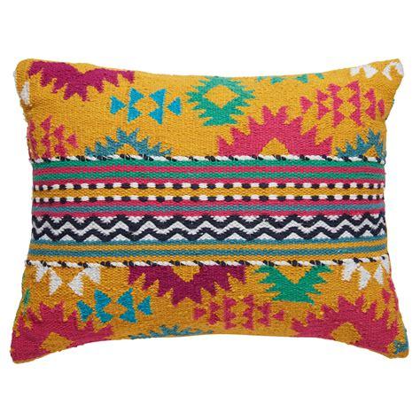 maison du monde coussin interesting coussin ethnique en coton multicolore xcm
