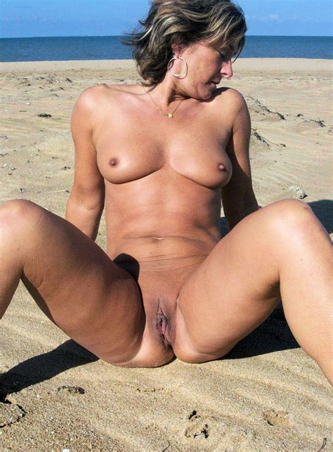 In Gallery Milf Spread Legs Picture Uploaded By Mercatory On