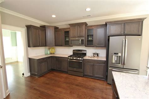 kitchen cabinet colors with white appliances new slate appliances from ge www isenhourhomes looks 9080