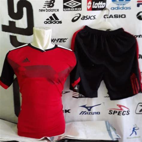 Kit dls sendiri adalah sebuah desain untuk bisa memodifikasi baju, celana, kaos kaki maupun logo yang dipakai sebuah tim yang ingin kita tetapi kadang anda merasa bosan dan ingin kit dls yang lebih keren dan juga unik. Kaos Futsal Ukuran L - Jersey Terlengkap