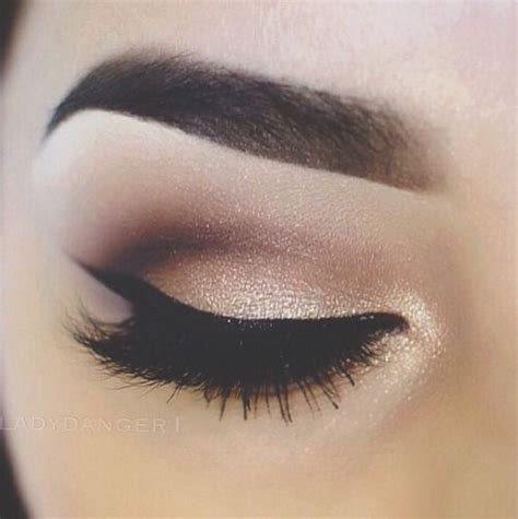 pretty makeup      makeup ideas trends  style code