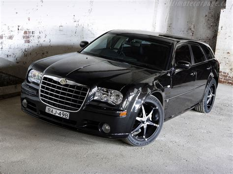 Chrysler Car : Chrysler 300c Touring Car Review