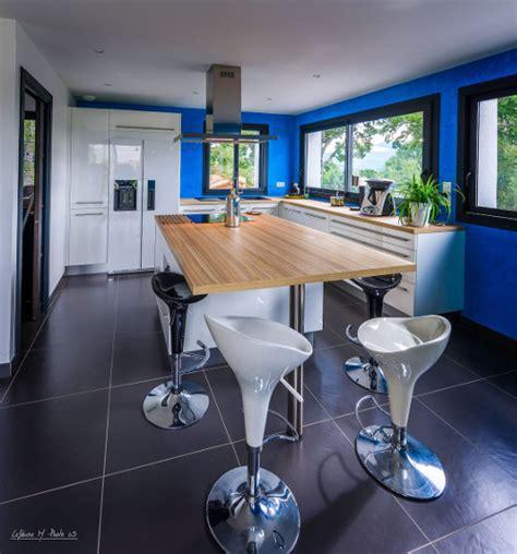 mur cuisine bleu cuisine bois mur bleu wraste com