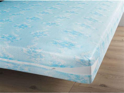 housse de protection matelas 160x200 prot 232 ge matelas 160x200 cm coloris bleu vente de prot 232 ge matelas et oreiller conforama