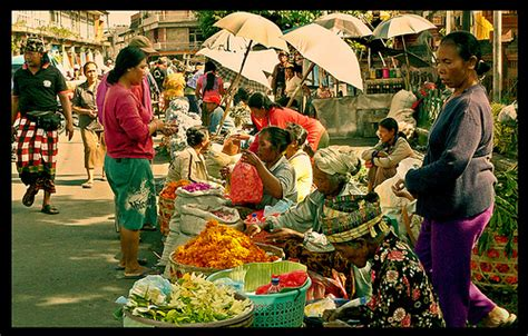 pasar badung pasar tradisional terbesar  denpasar