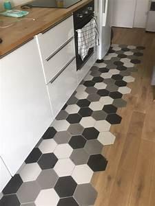 Carreaux De Ciment Hexagonaux : carreaux de ciment charme parquet hexagonal 15x18 uni ~ Melissatoandfro.com Idées de Décoration