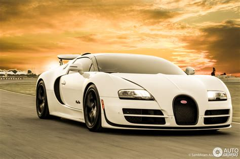 It is fitted with the same engine and body kit as the super sport model and has a colour scheme reminiscent of the bugatti type 37a, which was a supercharged variant of the regular type 37. Bugatti Veyron 16.4 Grand Sport Vitesse L'Orque Blanc - 27 ...