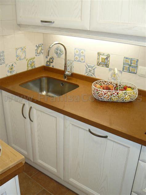 muebles de cocina de madera de fresno blanco patinado
