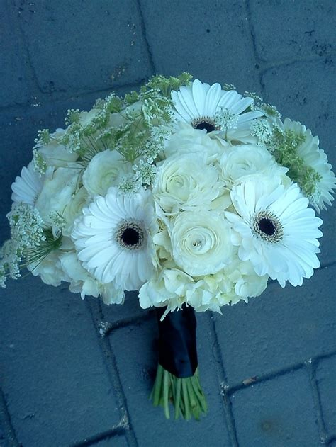 white ranunculus gerbera daisy bouquet www
