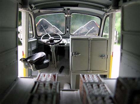 danbury mint   divco model  delivery truck